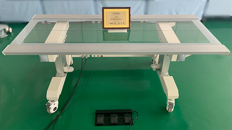 Six-way floating diagnostic table