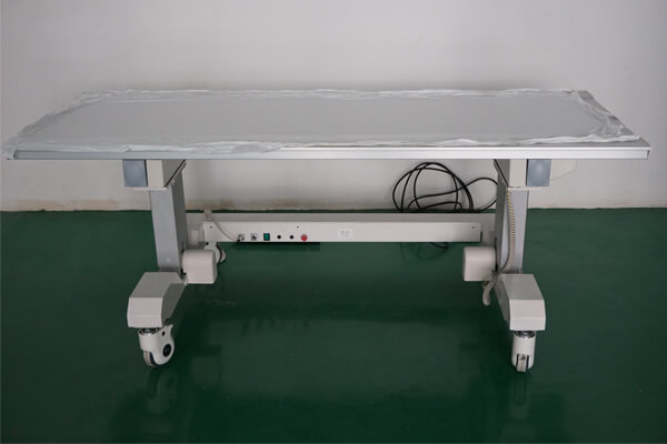 Consultation and Introduction of medical x ray table