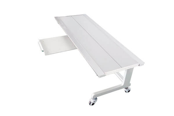 With bucky type medical X ray table